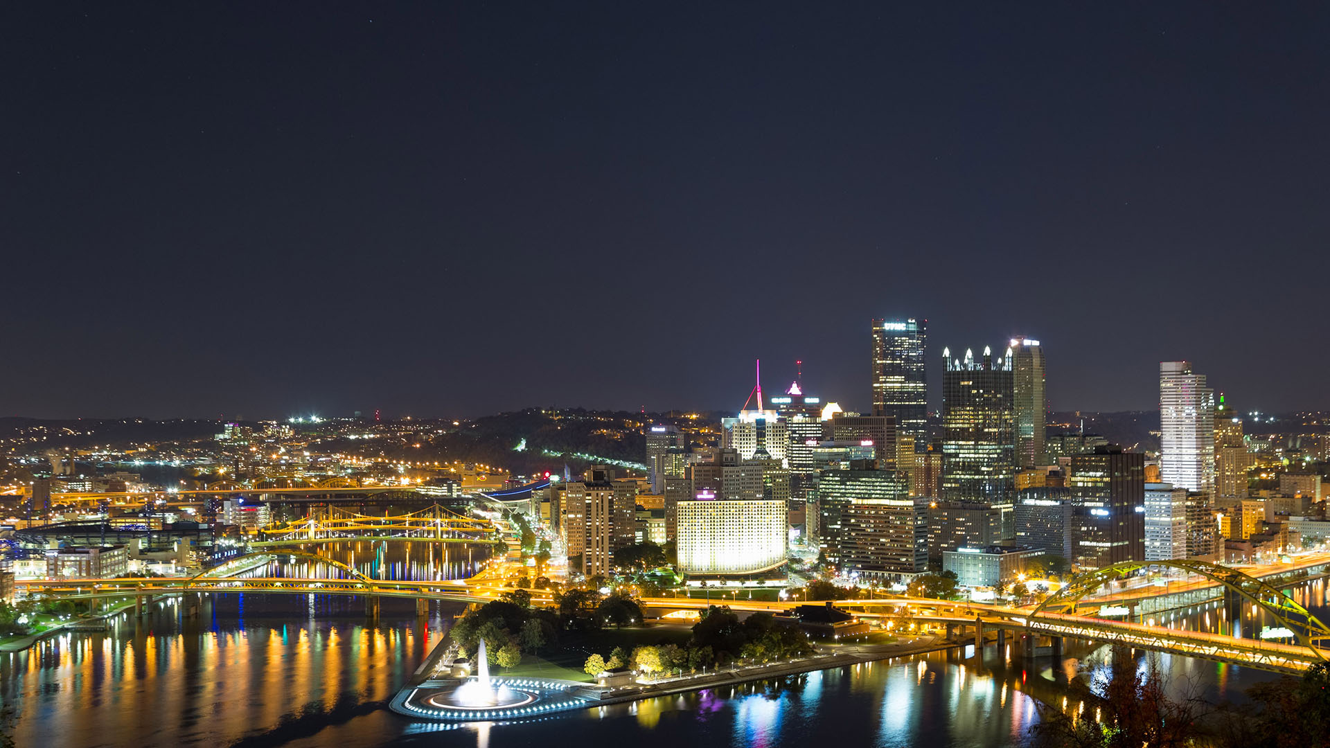 pittsburgh nightime nightlife live wallpaper of sky scrapers and bridges
